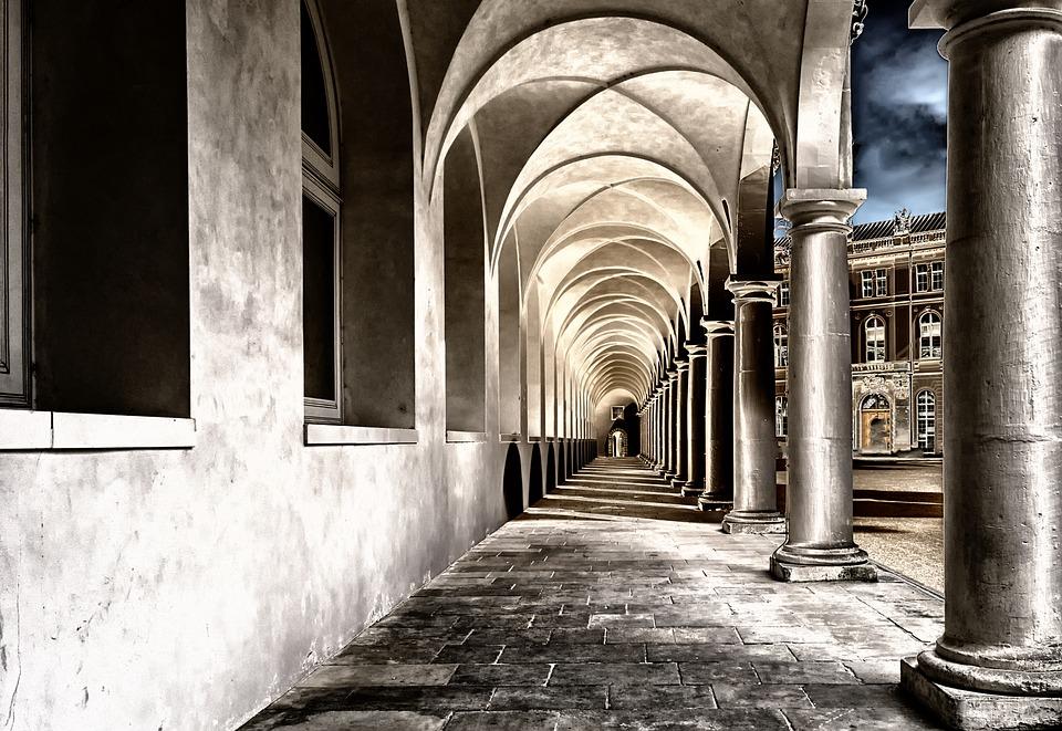 cloister-2041063_960_720
